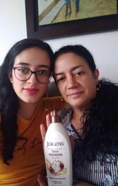 Otra fotito con mi hija y Jergen #GanaConJergens
