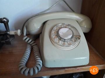 Teléfono de los años 70