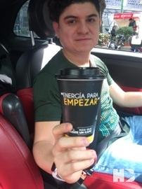 En el carro #MásQueUnCafé