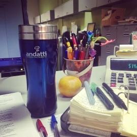 pa mitigar el frio en el polo norte de la oficina #MásQueUnCafé