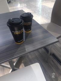 Largas platicas que solo la madera y el café saben #MásQueUnCafé